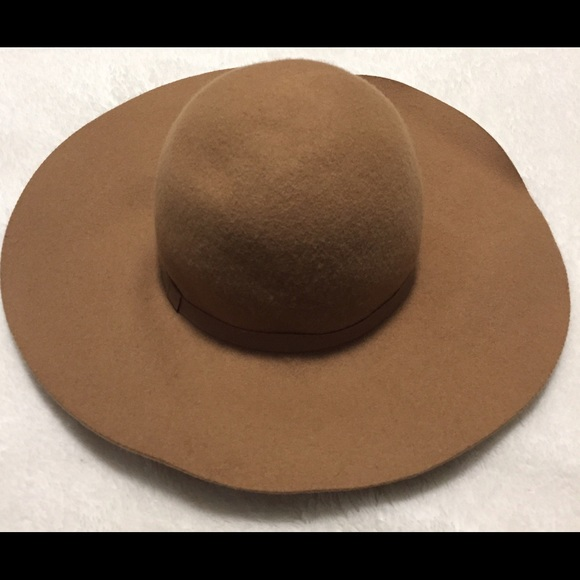 40 off h m accessories h m fashion hat camel brown from kay 39 s closet on poshmark. Black Bedroom Furniture Sets. Home Design Ideas