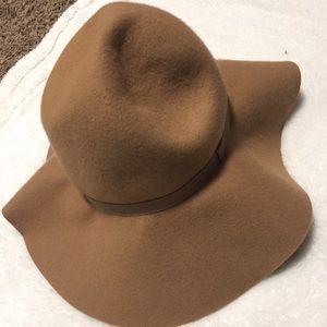 H&M Fashion Hat Camel Brown