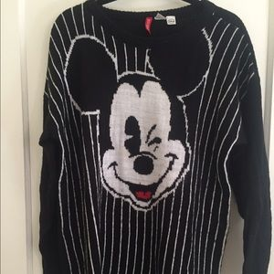 • H&M DIVIDED • Mickey Mouse Sweater