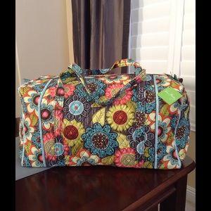 Vera Bradley Handbags - NEW VERA BRADLEY LARGE DUFFEL