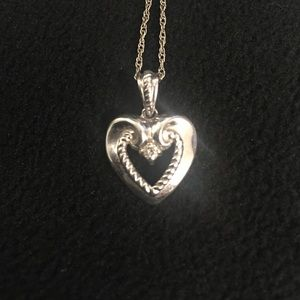 White gold heart necklace and chain