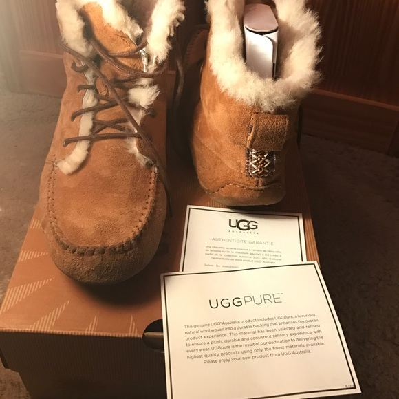 046ce121a78 Ugg Moccasins ( Chickaree)