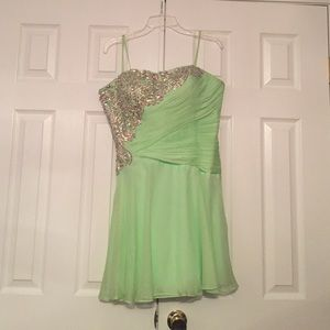 Tony Bowls Dresses & Skirts - Short Mint Green Prom Dress