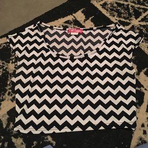 Short Sleeve Chevron Crop Top
