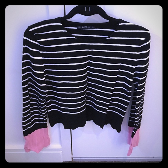 5dc23ba9 Zara black and white striped knit with pink accent.  M_58420b50ea3f363121007509