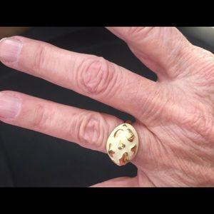 Jewelry - ❤️Gold and cream ring Sz 7 BOGO