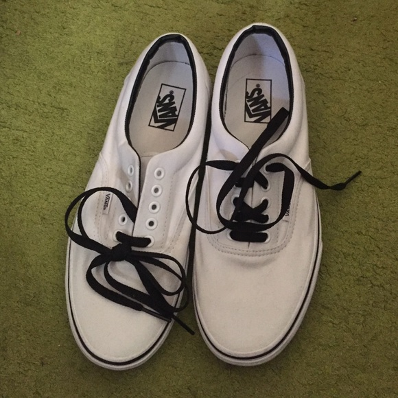 9d4e50a8a38c Men s Size 9.5 White Vans with Black Laces