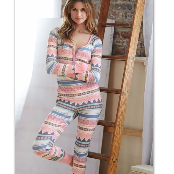 e544cc70e8 Victoria s Secret Fireside Thermal Pajama Set Sm. M 584213144225be7358008dba