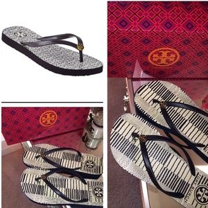 Tory Burch Shoes - TORY BURCH FLIP FLOP THIN SANDALS SIZE 7 shoes