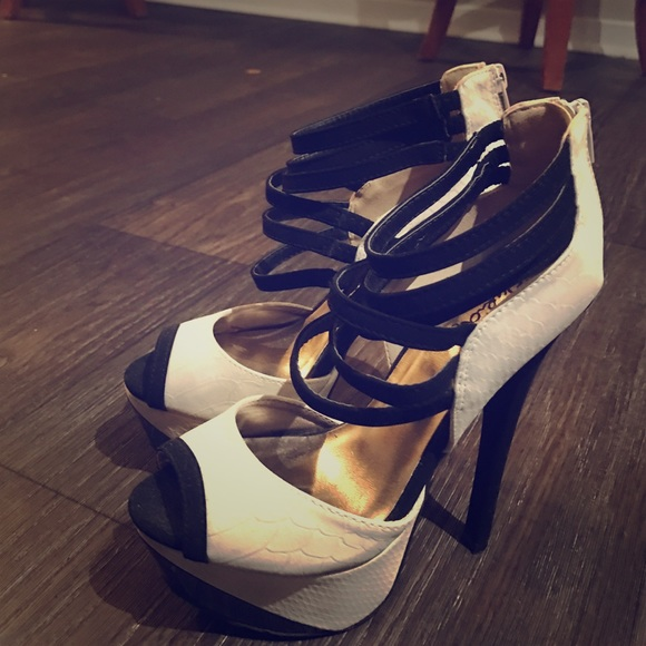 Shoes   Cream Black High Heel   Poshmark