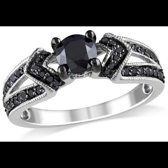 63% off Zales Jewelry VDAY SALE 💕 White Gold & Black Diamond Ring from