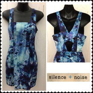 Blue print mini dress by SILENCE + NOISE Sz 0