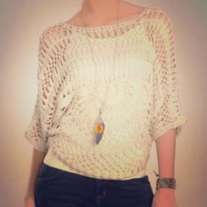 Willow & Clay Tops - Willow & Clay crochet 3/4 sleeve top