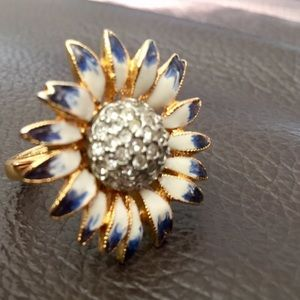 Kenneth Lane Open Flower Ring