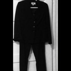 Le Suit Other - Black Pantsuit