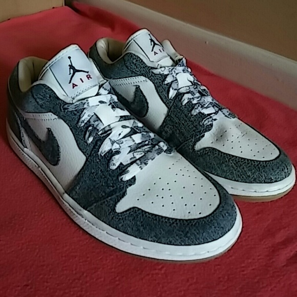 ed6d0f5dd40 NEW Nike Air Jordan 1 Retro Low Denim & White. M_5842f05fd14d7bf68f02f6bc