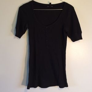 F.A.N.G. Short sleeve black top size M in juniors