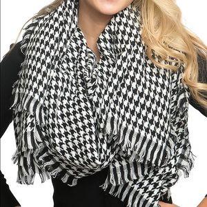 NWT Luxury Houndstooth Blanket Scarf