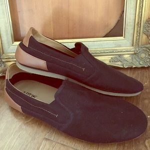 New Listing Mens Canvas Loafers
