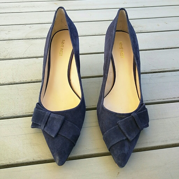 04ee180e504 Nine west blue suede heel with bow. M 5842fac5ea3f367a92031aab
