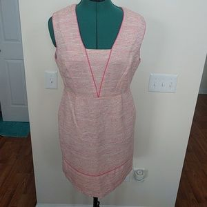 Pink trim sleeveless dress with pockets