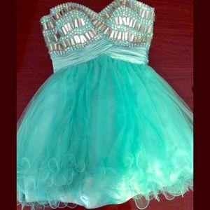 Dresses & Skirts - Light Jade Strapless Prom/Hoco Dress