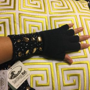 San Diego Hat Company Accessories - ✨SALE✨SDH Jeweled Texting Gloves