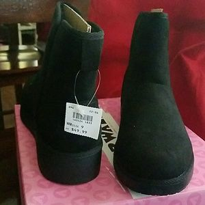 Airwalk Women/'s Nova Cozy Wedge Ankle Boot