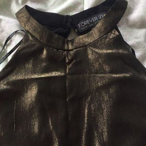 🔴FINAL SALE🔴 Forever21+ metallic gold top🎉