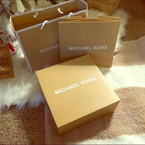 1d8b90127a8b 2 Michael Kors gift boxes and 1 gift bag