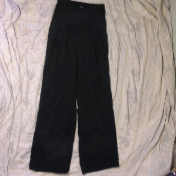 917173889f lululemon athletica Pants - Lululemon sz 4 pleated wide leg high waisted  pants