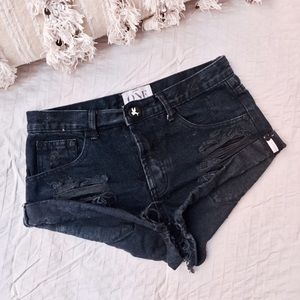 One Teaspoon Pants - ONE TEASPOON Bandits Jean Shorts in Fox Black 25