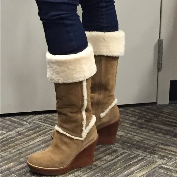 296b10453a0 Nwot Authentic Ugg Felicity boots size 8