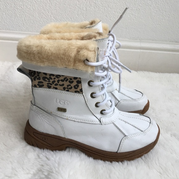 e3072f05bdb UGG Girl White Leather Waterproof Boots size 2