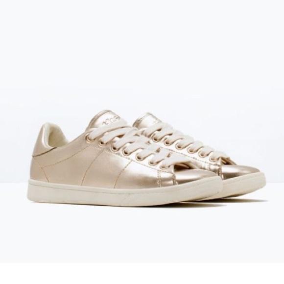 🆕Zara girl golden sneakers
