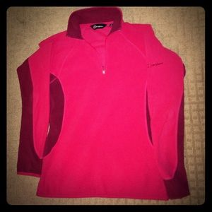 Berghaus Tops - EUC Berghaus fleece red and maroon quarter zip