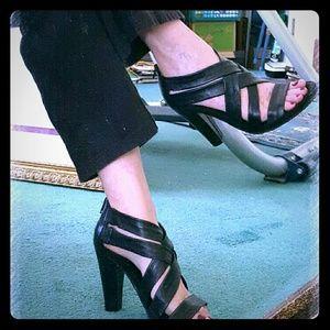 VANELI Shoes - 💥SALE 💚VANELI  BLACK HEELS.