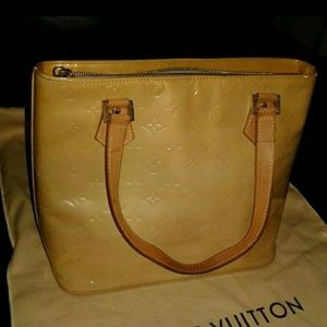 100% Auth Louis Vuitton Yellow Vernis Shoulder Bag