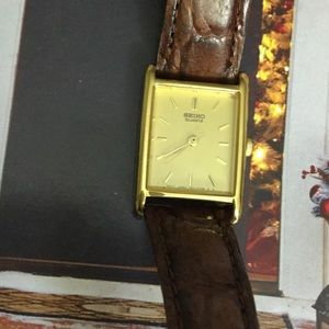 Seiko Jewelry - Seiko lovely small watch with calf leather