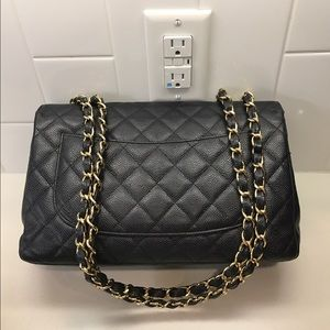 d2091e2a790d CHANEL Bags - SOLD on Tradesy! Auth CHANEL Caviar Jumbo Flap