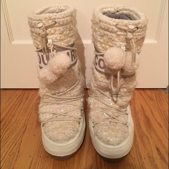 Juicy Couture Moon Boots