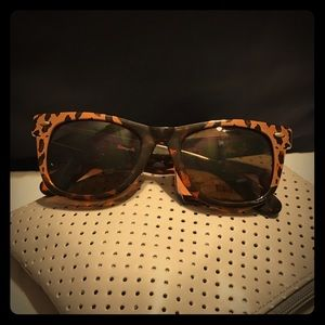 Brand New Betseyville Sunglasses
