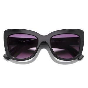 Black purple sunglasses sunnies celebrity cat eye