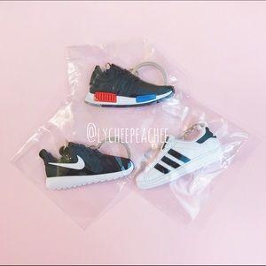 016817c911fe3 Nike Accessories - Sneaker keychain ...