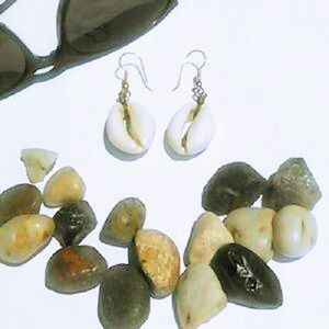 Jewelry - NATURAL VINTAGE SEA SHELL EARRINGS