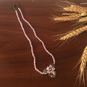 Jewelry - Flower blossom beaded Choker necklace