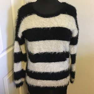 Like New! Forever 21 Fuzzy Soft Sweater
