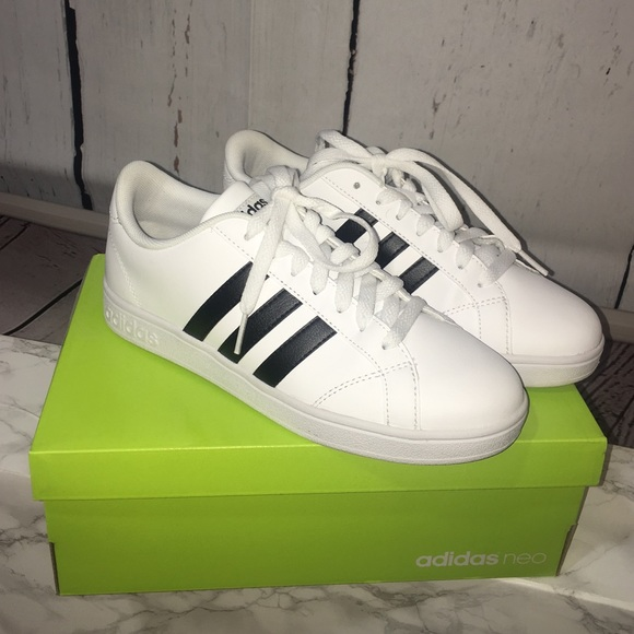 2202e9f179fc NEW🔥Authentic Adidas Neo Women s Baseline Sneaker