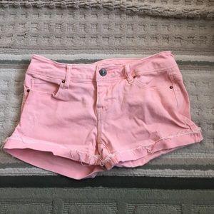 delia's Pants - Pale pink shorts