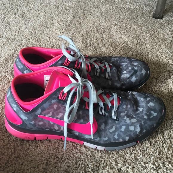 9f82b243eb21 Nike free tr connect 2 cheetah pink and gray. M 584452c1eaf0303e4f010ae1